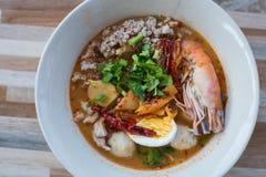 Korzenna krewetki polewka z jajka lub Tom goong yum, Tajlandzki styl Obrazy Stock