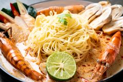korzenny garnela spaghetti makaron (Tom Goong Yum fotografia royalty free