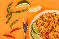 Korzenny meksykanin Rice Z Smażący wapno, garnelami I krewetki lub fotografia stock