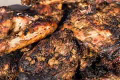 Korzenny Piec na grillu szarpnięcie kurczak fotografia stock