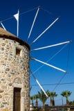 从Kos希腊海岛的老风车  免版税图库摄影