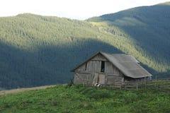 Kosh in Karpatische bergenmening Stock Foto's