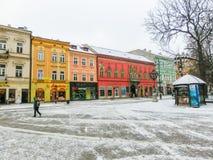 Kosice, Eslováquia - 5 de janeiro de 2016: Arquitetura na cidade velha Fotos de Stock Royalty Free