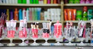 Kosmetik im Lebensmittelgeschäft am Jampasak Markt Stockfoto