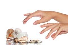 Kosmetik Sahne und Hände Lizenzfreie Stockfotos