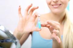 Kosmetische ampul, vitamine C in kosmetische ampul royalty-vrije stock foto's