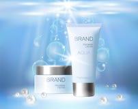 Kosmetische Anzeige der Aquahautpflege-Creme, die Plakatschablone fördert Perlt blauer Sonnenlichtstrahl des Unterwassertiefsees  Lizenzfreies Stockbild