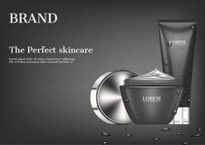 Kosmetische Anzeige, Feuchtigkeitscreme und Serum auf dunklem Hintergrund lizenzfreie abbildung