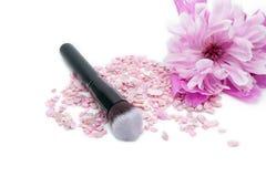 Kosmetische die borstel voor make-up op witte achtergrond wordt geïsoleerd Royalty-vrije Stock Fotografie