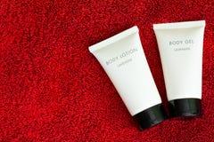 Kosmetische lichaamsgel en lotion stock foto