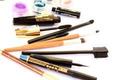 Kosmetische Produkte auf weißer Tabelle Stockfotografie