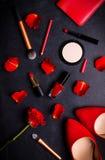Kosmetische zwarte achtergrond Stock Foto's
