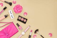 Kosmetisk makeuptillbehör för mode essentials Royaltyfri Foto
