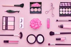 Kosmetisk makeuptillbehör för mode essentials Royaltyfria Bilder