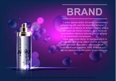 Kosmetisk produkt, sprejflaska, på en purpurfärgad bakgrund Royaltyfri Foto