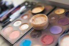 Kosmetiska hjälpmedel royaltyfria foton