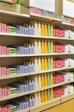 Kosmetyczna półka sklepowa Obraz Royalty Free