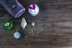 Kosmetyki i zdrój obrazy stock