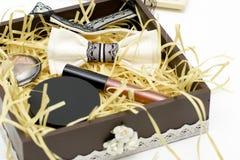 Kosmetyki ustawiający są w pudełku Zdjęcia Stock
