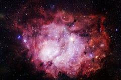 Kosmische Landschaft, bunte Zukunftsromantapete mit endlosem Weltraum lizenzfreie abbildung