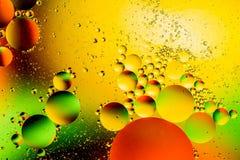 Kosmischer abstrakter Hintergrund des Raum- oder Planetenuniversums Abstraktes Molekülatom sctructure Hintergrund, Bad, blau Makr Stockfoto