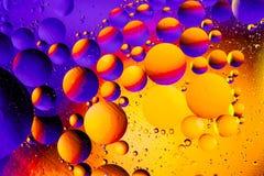 Kosmisk abstrakt bakgrund för utrymme- eller planetuniversum Abstrakt molekylatomsctructure vatten för bubblor för bakgrundsbad b Royaltyfria Bilder