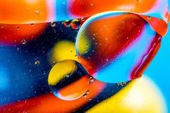 Kosmisk abstrakt bakgrund för utrymme- eller planetuniversum Abstrakt molekylsctructure vatten för bubblor för bakgrundsbad blått Arkivbild