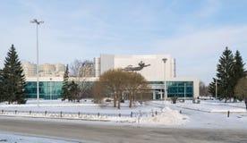 Kosmos剧院在冬天 库存图片