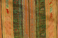 """Kostüm-Textildetail der schwarzen Miao-Minderheitsfrauen traditionelles Stadt von Sapa, nordwestlich von Vietnam Ð-"""" Ð?Ñ 'аГ Ñ€ Lizenzfreie Stockfotografie"""