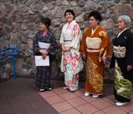 Kostüme des traditionellen Chinesen auf Frauen Lizenzfreies Stockfoto