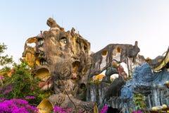 Kosthuis Gek Huis, de stad van DA Lat, oriëntatiepunt Vietnam stock afbeeldingen