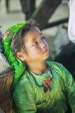 Kostiumy mniejszości etnicznej dziecko przy starym Dong Van rynkiem, Obrazy Stock