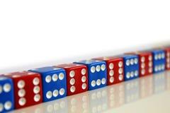 Kostka do gry gemowej sztuki przypadkowy czerwony błękit Obrazy Royalty Free