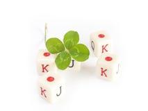 Kostka do gry gemowi z cztery liść koniczyną Fotografia Stock