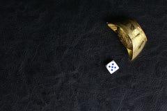 Kostka do gry i Chiński złoto Obrazy Royalty Free