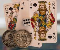 Kostka do gry, monety i karta do gry, Obrazy Royalty Free