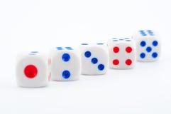 Kostka do gry na bielu Zdjęcie Stock