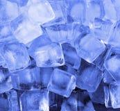 kostki lodu niebieskie światło Zdjęcia Royalty Free