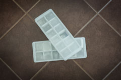 Kostki lodu w blokowych foremkach Obrazy Royalty Free
