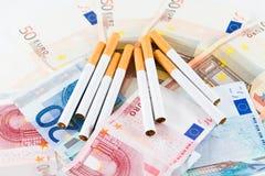 Kostnad av att röka Arkivbild