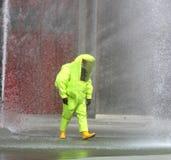 Kostuum van het brandbestrijders het beschermende werk met voor bescherming tegen radiat Stock Foto