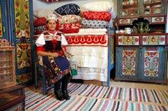 kostymera ungerskt traditionellt slitage för flicka Royaltyfria Bilder