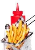Kosz świeżo robić południowi dłoniaki z ketchupem obraz royalty free