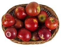 Kosz czerwoni jabłka Obrazy Stock