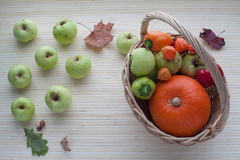 Kosz z owoc i warzywo Zdjęcie Royalty Free