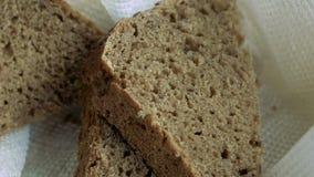 Kosz z trzy kawałkami chleb zdjęcie wideo