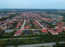 KOSZALIŃSKI, POLSKA, widok z lotu ptaka na Koszalińskiej ` s miasta nieruchomości Unia Europejska z socjalny budynek mieszkalny i obrazy royalty free