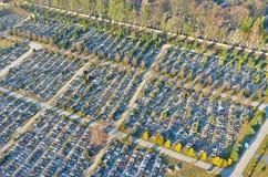 Koszalin, Pologne - 1er mars 2019 - vue aérienne sur le grand cimetière chrétien dans la ville de Koszalin photographie stock