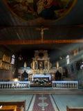 KOSZECIN,波兰2015年11月01日 :太阳的光芒照亮 免版税库存照片