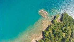Koszowa wijąca droga wzdłuż wybrzeża Filipiny Widok z lotu ptaka Zdjęcie Royalty Free